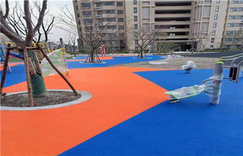 临沂幼儿园橡胶跑道塑胶地板幼儿园地坪