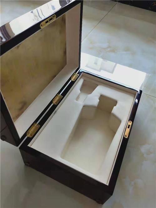 湖南省长沙市收藏品包装盒加工厂 礼品实木盒直接工厂