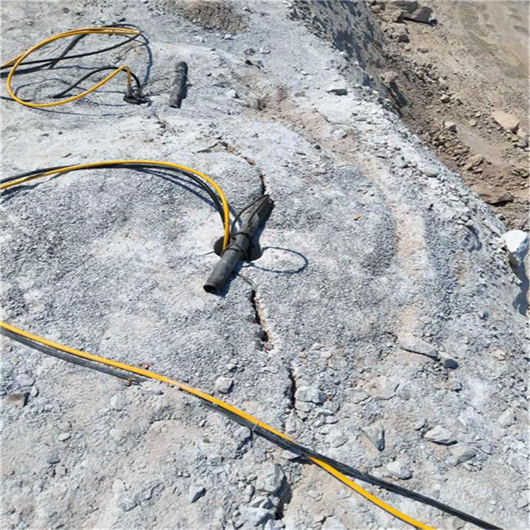 海南:开采石头不能放炮用什么机器