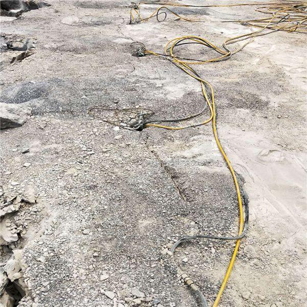辽宁:挖排污管遇到硬石头用什么机器施工-板岩打不动