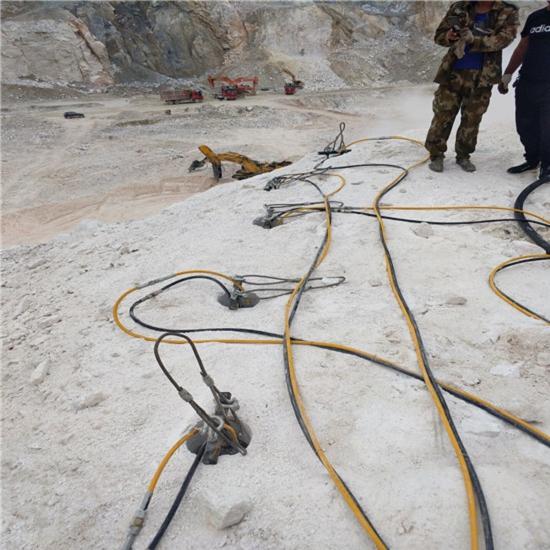 东营:挖基坑石头太硬打不动怎么办水利破石