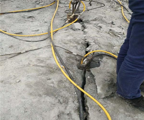 辽宁:钢筋混凝土破拆作业机器