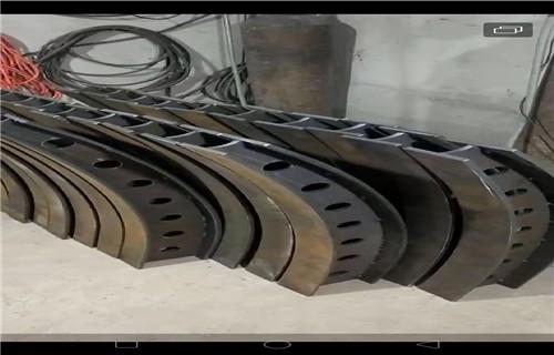 蚌埠铸铁防撞立柱护栏厂家现货供应