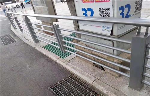 湖南桥梁护栏新颖的设计