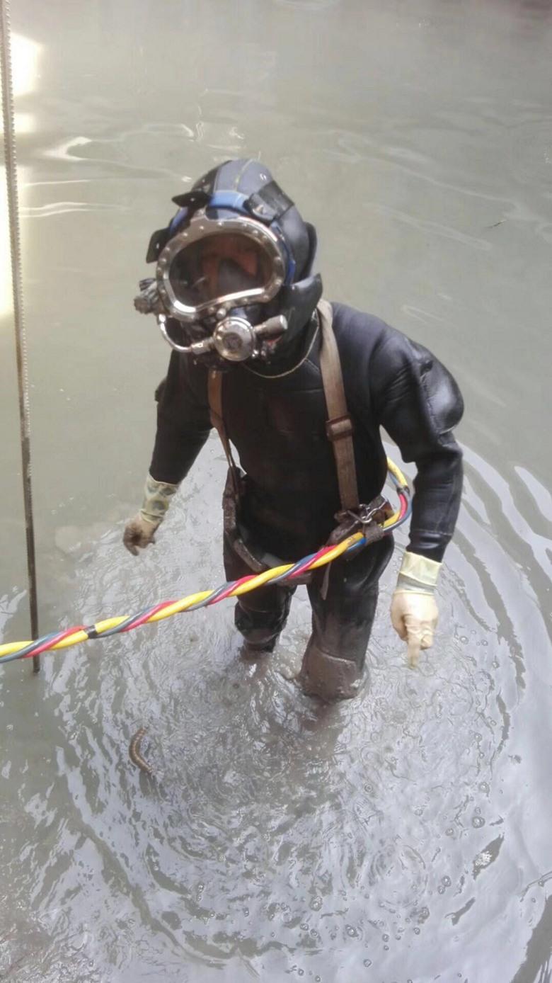 攀枝花水底拖曳铺管服务-实现