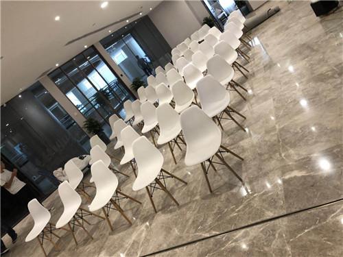 驻马店十人台桌子出租如何选择桌椅