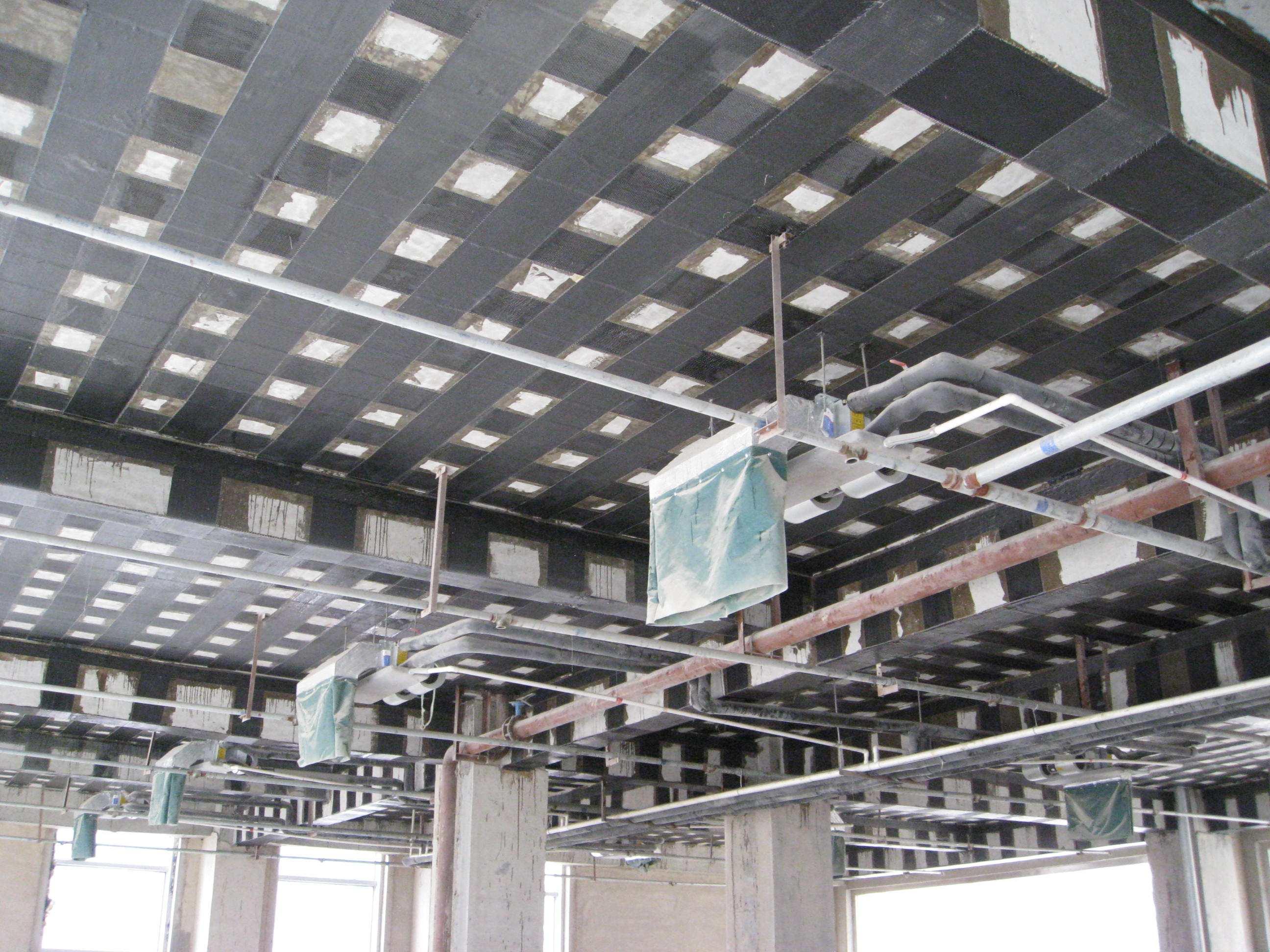 临沂建筑加固:碳纤维施工队