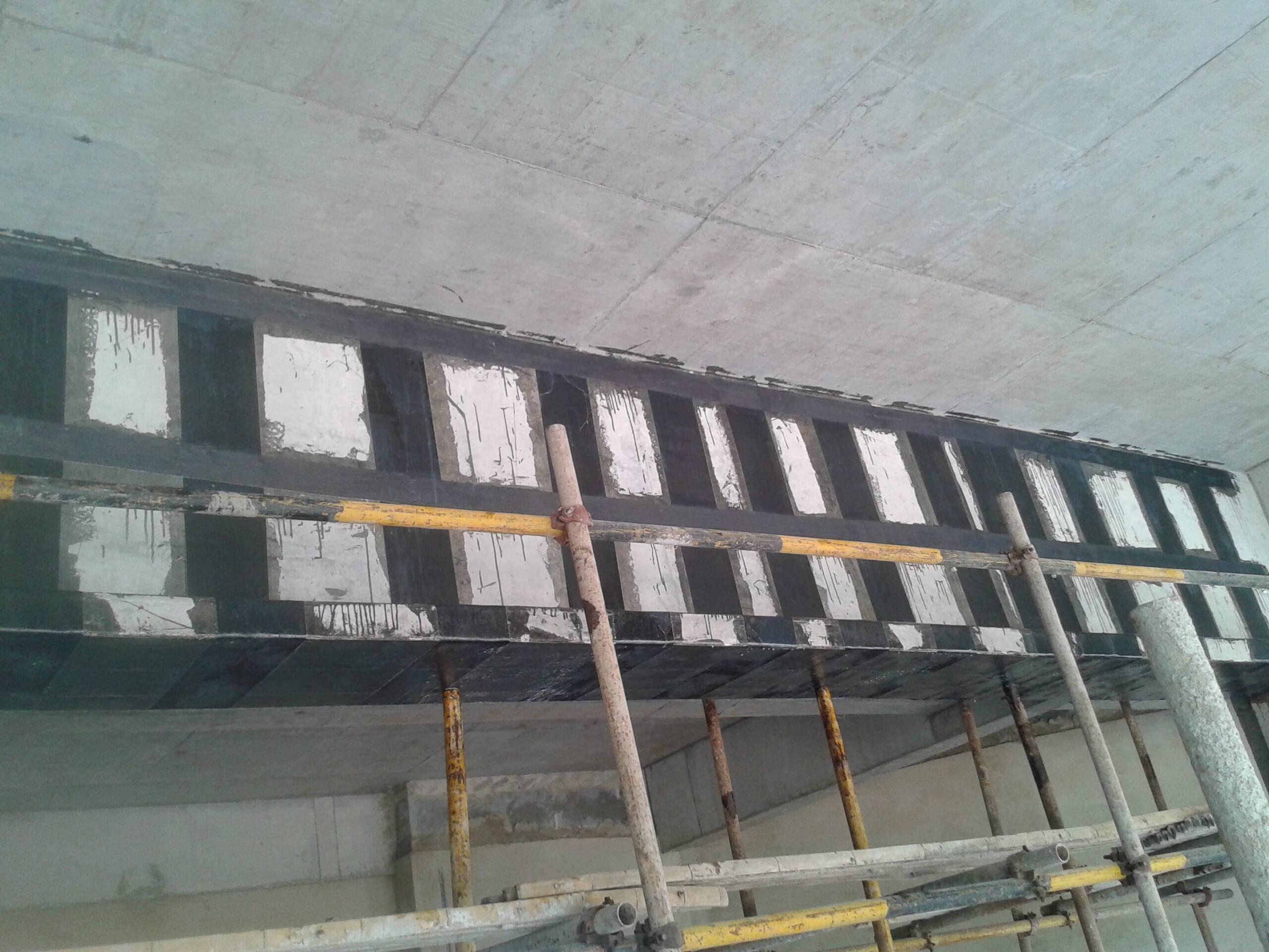 安庆桥梁加固:专业碳纤维加固