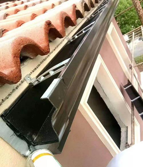 山东东营铝合金天沟雨水槽选可成落水系统