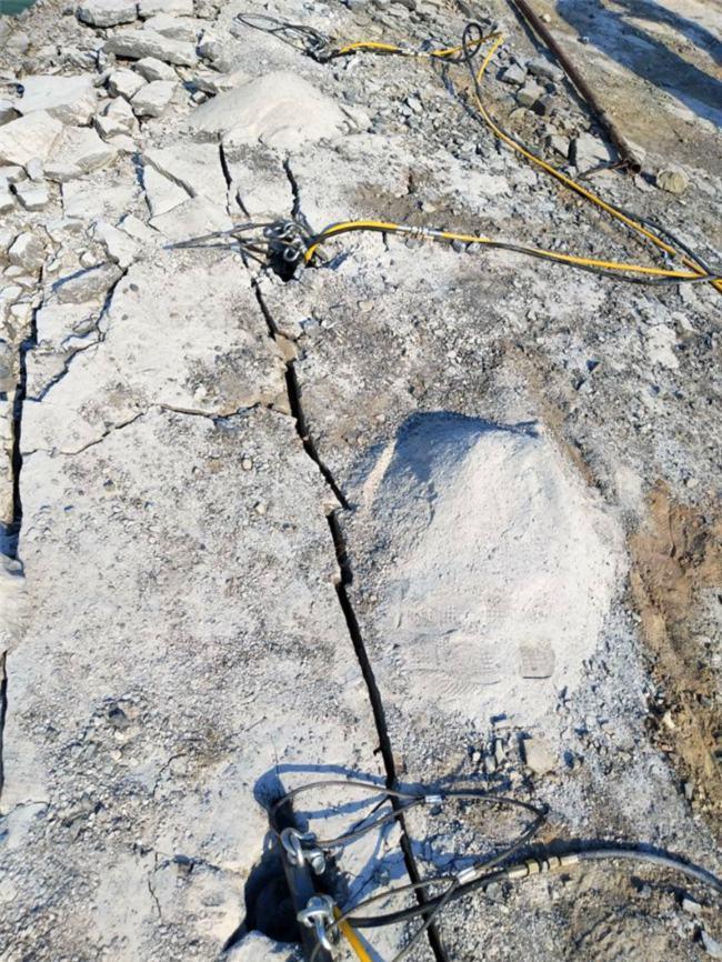 矿山用破锤打不动岩石用分裂机劈裂机产量高东营