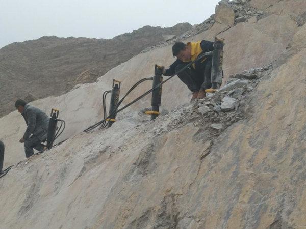 洞采矿石设备撑石机辟裂机  西藏省