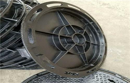 临沂球墨铸铁井盖700*700D400重型井盖