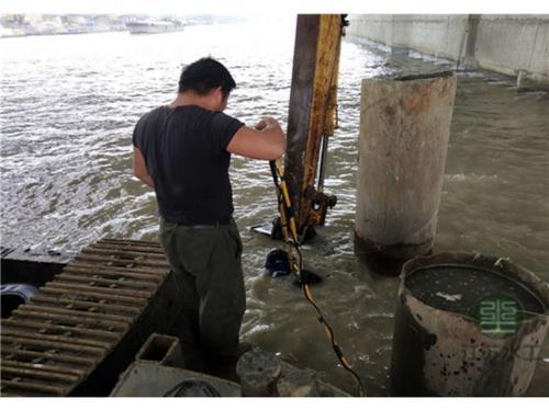 天水水下堵漏                  水下清淤施工经验丰富值得信任