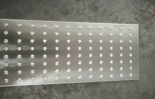 平顶山源头工厂承接尺寸定制酒店厨房不锈钢水盖板