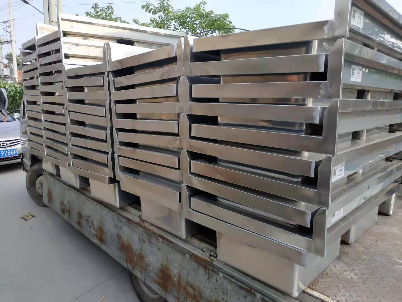 德州源头工厂直售不锈钢面粉柜