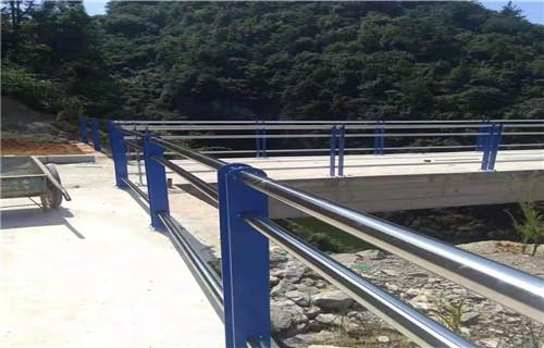 六安桥梁防撞护栏备有现货