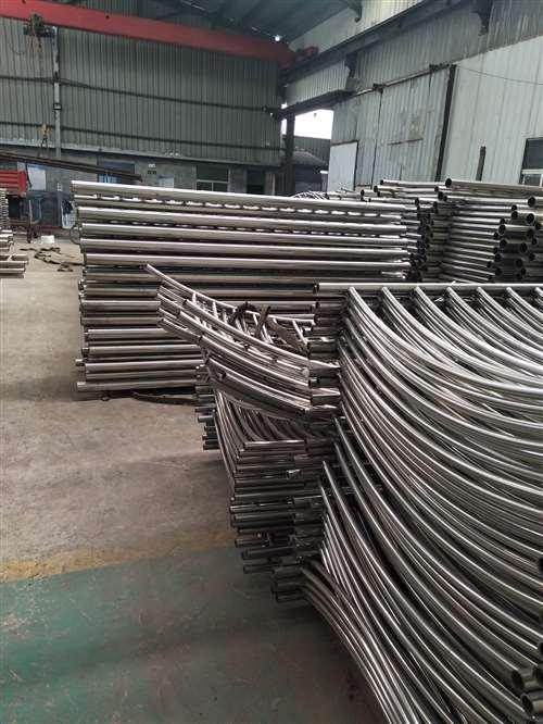 西藏碳钢喷塑护栏专业定制