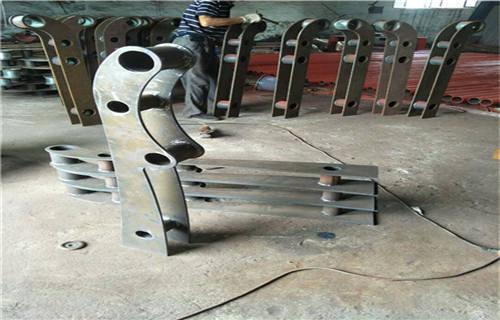 黑河市政护栏用碳钢不锈钢复合管80*3