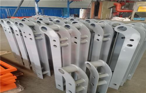 生产驻马店方管横梁式防撞护栏产品价格