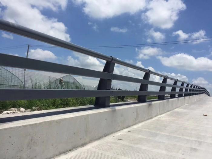靖江河道栏杆双金属复合管80*3