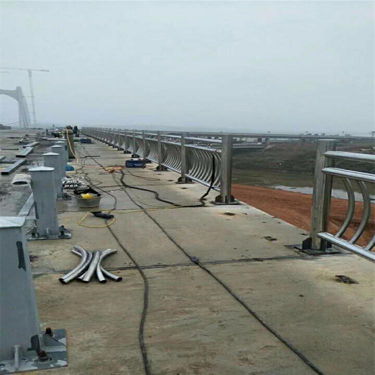 黑河天桥护栏外敷不锈钢复合管5