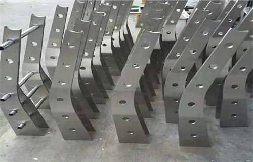 平顶山天桥护栏用碳钢不锈钢复合管76*3