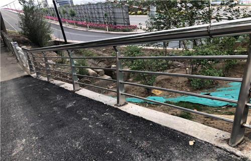 濮阳护栏厂-定尺加工路桥人行道不锈钢护栏