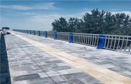 张家界护栏厂-常年生产定做不锈钢桥梁栏杆