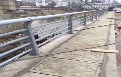 十堰护栏厂-多种款式定制不锈钢市政道路护栏