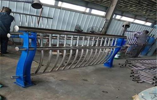 马鞍山桥梁不锈钢复合管材料尺寸可定制