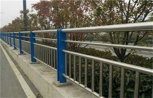 廊坊桥梁钢板立柱喷塑款式多样