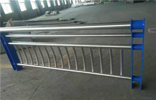马鞍山热销不锈钢复合管护栏尺寸可定制