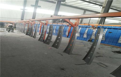 阿坝市茂县桥梁护栏-喷塑碳钢护栏价格