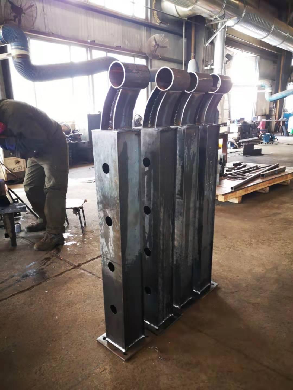 厦门不锈钢镀锌管浸塑护栏生产加工