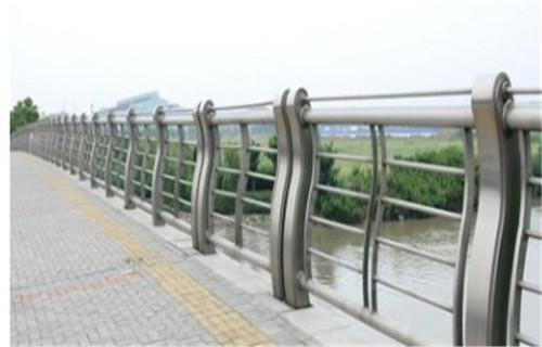 黑龙江不锈钢桥梁防护栏杆厂家供货保证