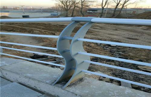 安康多款不锈钢桥梁防护栏杆厂家直销