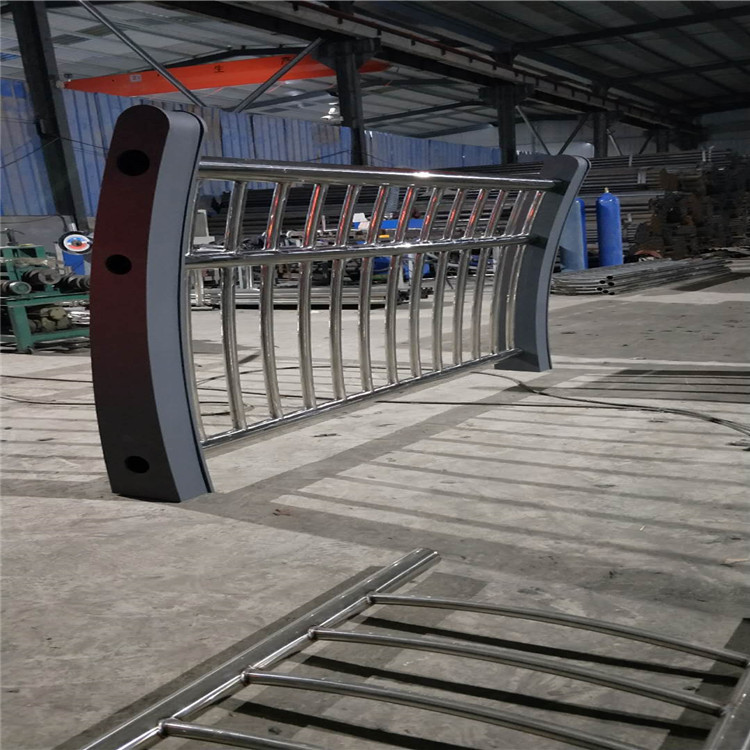 广东惠东201拉丝不锈钢复合管栏杆