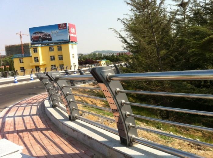 广东龙门防撞桥梁护栏