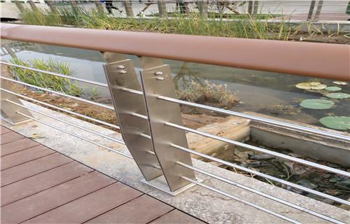 安康天桥隔离护栏支持定制
