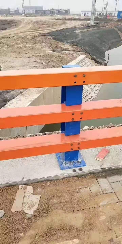 西宁不锈钢防护栏钢板立柱