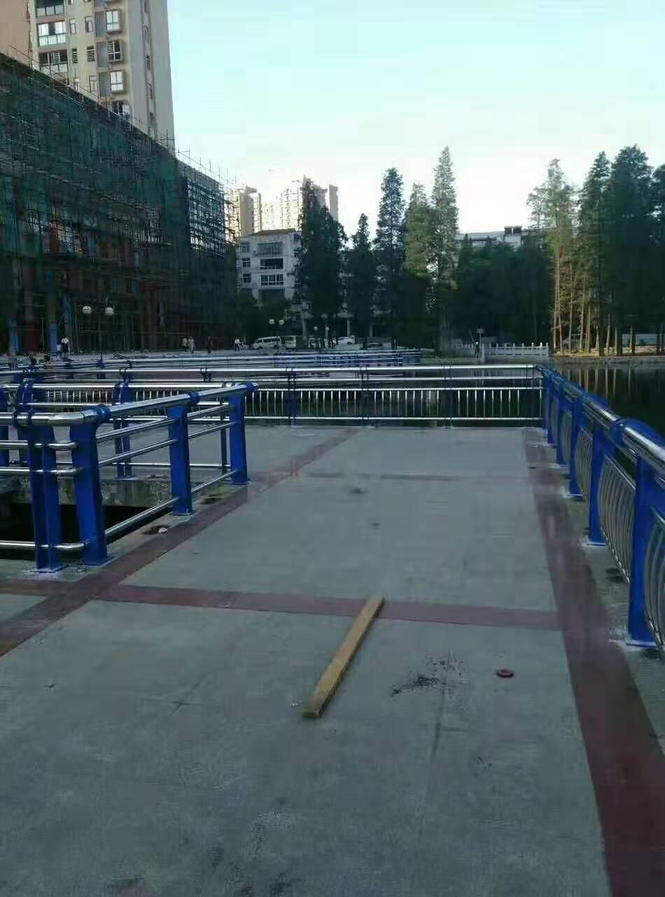 马鞍山不锈钢天桥护栏哪里有厂家