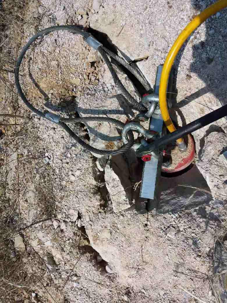 江西破石头用液压破石机硬石头能开吗