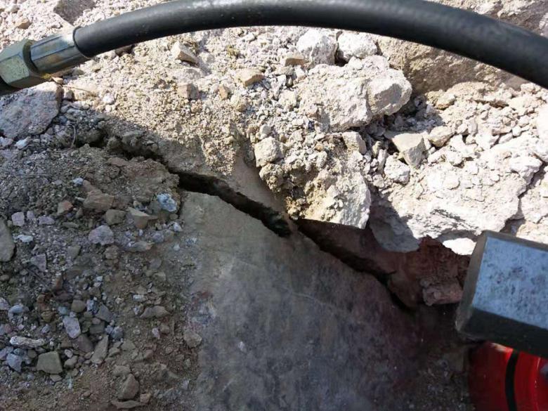 西宁市露天矿山青砂石开采施工现场静态棒