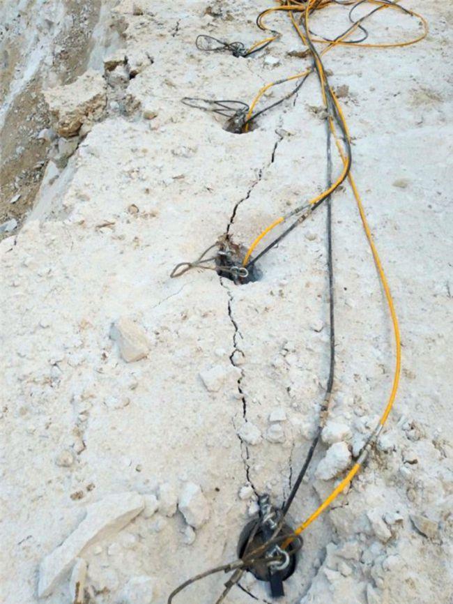 西藏取代挖掘机劈石柱塞式劈裂棒