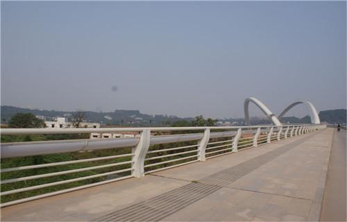 漳州道路隔离不锈钢护栏多少钱一米
