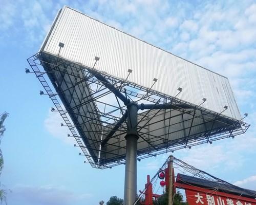 山东擎天柱广告塔制作公司--免费选址