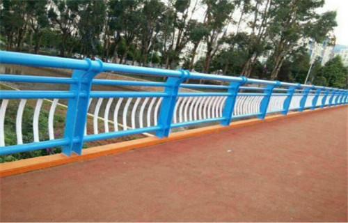 海南防撞栏杆钢立柱专业公司
