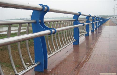 强烈推荐:山东防撞桥梁护栏