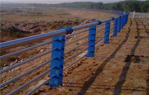 海南桥梁护栏不锈钢复合管价格公道