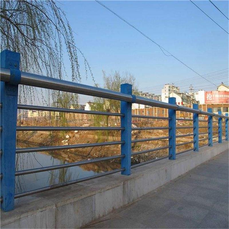 福建厦门市201/304不锈钢桥梁护栏细节图